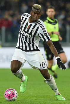 Paul Pogba with the ball during a match between Juventus FC and FC Internazionale Milano on February 28, 2016 in Turin, Italy...
