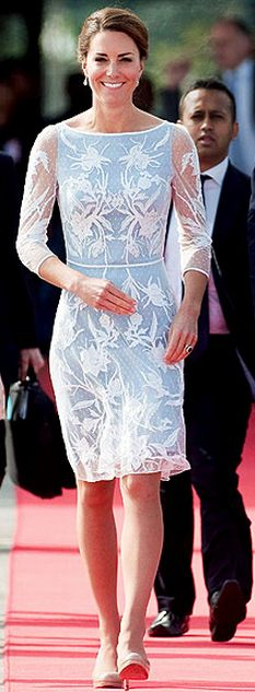 Who made  Kate Middleton's white and blue long sleeve print dress?
