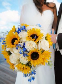 Sunflower and rose bride bouquet