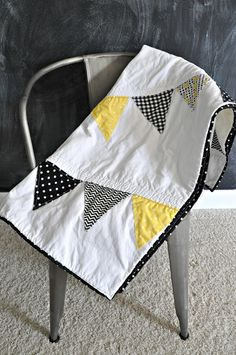 Adorable Pennant Baby Quilt #quilt with bunting from the wedding?