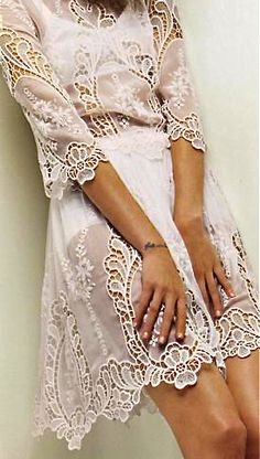 White lace dress by Dolce & Gabbana Passion For Fashion, Love Fashion, Womens Fashion, Looks Style, Style Me, Look Hippie Chic, Lace Dress, Dress Up, Mode Glamour