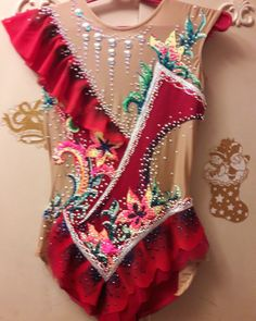 Rhythmic Gymnastics Leotards, Figure Skating Dresses, Roller Skating, Dance Outfits, Color Combos, Skate, Glamour, Costumes, Womens Fashion