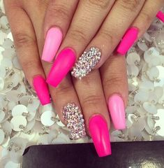In seek out some nail designs and ideas for the nails? Here is our list of 21 must-try coffin acrylic nails for stylish women. Fancy Nails, Trendy Nails, Pink Bling Nails, Barbie Pink Nails, Fabulous Nails, Gorgeous Nails, Hot Nails, Hair And Nails, Nails Polish