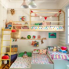 35 Fascinating Shared Kids Room Design Ideas - Planning a kid's bedroom design can be a lot of fun. It can also be a daunting task as you tackle the issue of storage and making things easy to clean.