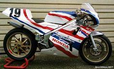 Honda RC 30