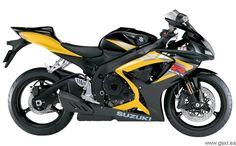 Suzuki right side black & yellow 2006 Suzuki Motos, Suzuki Gsx R 750, Gsxr 750, Suzuki Motorcycle, Motorcycle Outfit, Replica Cars, Custom Sport Bikes, Bike Photo, Street Bikes