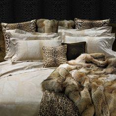 Roberto Cavalli Rinascim Fiandra Duvet Cover set - 012 - Super King (24.105 CZK) ❤ liked on Polyvore featuring home, bed & bath, bedding, duvet covers, cream bedding, king size pillow cases, king pillow cases, king size duvet cover sets and king size top sheet