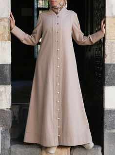 Shop our latest collection of stylish Islamic women's clothing. Abaya Fashion, Modest Fashion, Fashion Dresses, Abaya Designs, Modest Dresses, Elegant Dresses, Estilo Abaya, Abaya Mode, Moslem Fashion