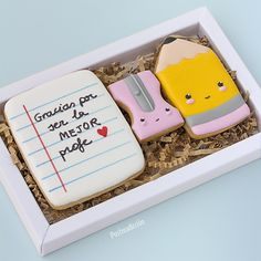Star Cookies, Iced Cookies, Royal Icing Cookies, Cupcake Cookies, Kawaii Cookies, Cute Cookies, Cookie Factory, School Cake, Homemade Birthday Cakes