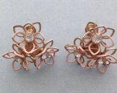 Vintage Rhinestone Gold Tone Flower Shaped Twist-on Earrings