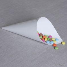 Image of Cornet / cone en papier rigide blanc -2 tailles