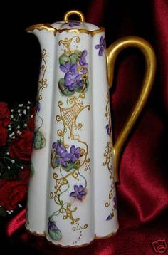 We are pleased to be offering you this absolutely exquisite Chocolate Pot from Haviland and Co. This gorgeous piece is decorated with a very thick gold rim and handle with beautifully generous lattic