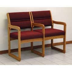 Wooden Mallet Valley Two Seat Guest Chair Wood Finish: Medium Oak, Fabric: Leaf Green, Arms: Center Arm Included