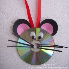 You can do many more recycling crafts idea by using of CD's and DVDs you can make some ball points table box diy crafts with old CD's many more ideas related Kids Crafts, Mouse Crafts, Animal Crafts For Kids, Preschool Crafts, Projects For Kids, Recycled Cd Crafts, Old Cd Crafts, Paper Crafts, Recycled Glass