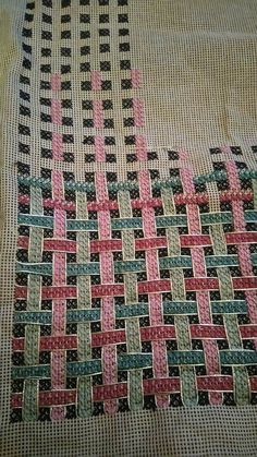 This Pin was discovered by Pac Cross Stitch Geometric, Cross Stitch Borders, Modern Cross Stitch, Cross Stitch Designs, Cross Stitching, Cross Stitch Patterns, Ribbon Embroidery, Cross Stitch Embroidery, Embroidery Patterns
