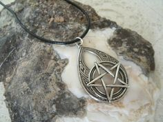 Men's Pentacle Necklace, wiccan jewelry pagan jewelry wicca jewelry mens jewelry goddess pentagram witchcraft metaphysical wiccan necklace by Sheekydoodle on Etsy