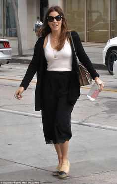 Jessica Biel looks chic in a fitted vest and black lace skirt in Beverly Hills Fashion Models, Denim Fashion, Star Fashion, Fashion Tips, Celebrities Fashion, Chanel Espadrilles Outfit, Black Espadrilles, Beverly Hills, Jessica Biel And Justin