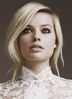 """Margot Robbie - Added to Beauty Eternal - A collection of the most beautiful women. """"The wolf of wall street's wife"""" Make Up Looks, Braut Make-up, Bridal Makeup, Wedding Makeup, Hair Wedding, Wedding Nails, Pretty People, Beautiful People, Beauty Tricks"""