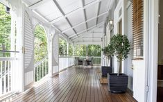 Corinda is sometimes overlooked for suburbs like Graceville and Sherwood. You would be wrong to overlook this Corinda Queenslander. Queenslander House, Weatherboard House, Veranda Railing, Patio Railing, Front Verandah, Front Porch, Make Dreams Come True, Hamptons House, Australian Homes