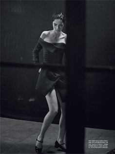 Mariacarla Boscono enchants in Haute Couture for Vogue Italia March 2016 by Peter Lindbergh [fashion] – Bloginvoga | The Latest Fashion News and Trends