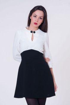 Vestido de vuelo blanco y negro  #invitadasboda #vestidoscortos #vestidosfiesta #nochevieja http://www.apparentia.com/mujer/vestidos/cortos/ficha/1593/vestido-vuelo-blanco-y-negro/