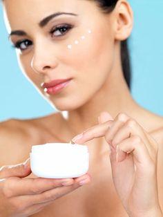 Gesichtscreme gegen Falten selber machen - so gehts. www.ihr-wellness-magazin.de