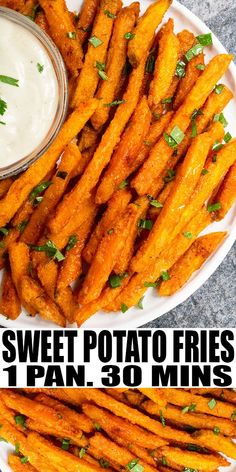Crispy Baked Sweet Potato Fries (One Pan) - Potato Recipes Veggie Recipes, Vegetarian Recipes, Dinner Recipes, Cooking Recipes, Simple Healthy Recipes, Healthy Delicious Recipes, Frozen Vegetable Recipes, Fried Mushroom Recipes, Easy Recipes