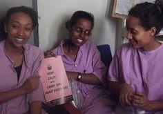 Lacatiekundige Alice Allan zet zich in voor pasbevallen vrouwen in Ethiopië die borstvoeding geven.