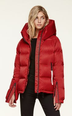 BRINEY water-repellent sporty down bomber jacket with hood,Crimson