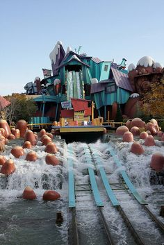 Islands of Adventure Orlando Florida Brilliant ride but you will get wet!