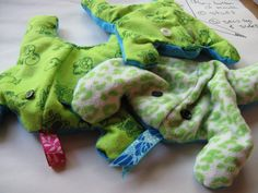 Stuffed Frog Toys via In The Paint using free dowload pattern!