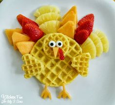 Over Thanksgiving Crafts & Food Crafts for a Kid Friendly Fun Time! Breakfast Desayunos, Breakfast For Kids, Halloween Breakfast, Breakfast Ideas, Thanksgiving Crafts, Thanksgiving Lunch, Thanksgiving Desserts, Christmas Desserts, Christmas Recipes