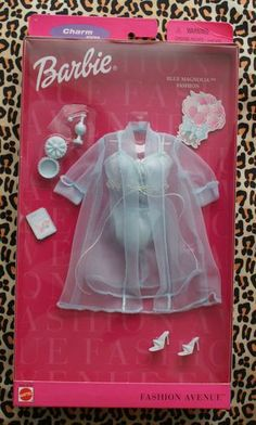 2000 Barbie - Charm (Fashion Avenue) #