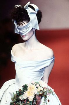 The surprise arranged marriage of a noble girl in the Reach, Vivienne Westwood Spring/Summer 1997 90s Fashion, Couture Fashion, Fashion Art, Runway Fashion, High Fashion, Fashion Design, Fashion Styles, Fasion, Street Fashion