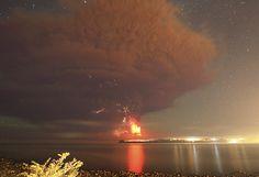 Surreal! Sunset turns massive Calbuco eruption into amazing scene (IMAGES) — RT News