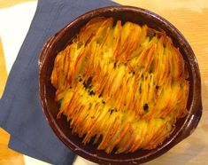 garlic rosemary scalloped potato roast I'd replace oil with a few sprays of frylight Vegetable Side Dishes, Vegetable Recipes, Vegetarian Recipes, Healthy Recipes, Vegetable Stock, Healthy Foods, Potato Dishes, Potato Recipes, Savoury Recipes
