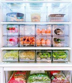 Food Pantry Organizing, Freezer Organization, Refrigerator Organization, Kitchen Organization Pantry, Home Organisation, Bathroom Organization, Organization Hacks, Organized Fridge, Pantry Room