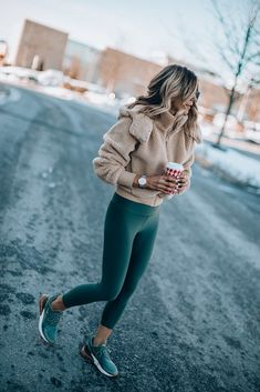 winter outfits sporty magnificient winter out - winteroutfits Mode Outfits, Fall Outfits, Casual Outfits, Fashion Outfits, Womens Fashion, Casual Athletic Outfits, Outfits 2016, Cute Legging Outfits, Lazy Winter Outfits