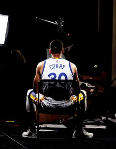 SEC football is exciting. Stephen Curry Basketball, Nba Stephen Curry, Mvp Basketball, Football, Golden State Warriors, Steph Curry Wallpapers, Fotos Wallpaper, Sports Day Outfit, Wardell Stephen Curry