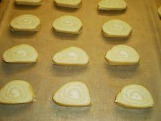 Mariannkonyha: Sajtos csiga Convenience Store, Cookies, Food, Convinience Store, Crack Crackers, Biscuits, Essen, Meals, Cookie Recipes