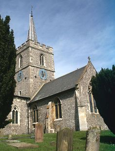 St Mary's Church in Chesham. Mum and Dad were married here on September Uk History, Local History, Places Ive Been, Places To Go, Midsomer Murders, English Village, Place Of Worship, Live In The Now, Going Home
