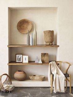 6 Eye-Opening Diy Ideas: Natural Home Decor Modern Shelves natural home decor earth tones living rooms.Natural Home Decor Earth Tones Living Rooms natural home decor ideas.Natural Home Decor Modern Woods. Wabi Sabi, Murs Beiges, Home Interior Design, Interior Decorating, Scandinavian Interior, Minimalist Scandinavian, Interior Paint, Luxury Interior, Stucco Interior Walls
