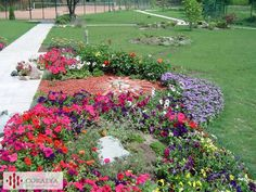 Color explosion Private Garden, Stepping Stones, Gardens, Outdoor Decor, Color, Home Decor, Stair Risers, Decoration Home, Room Decor