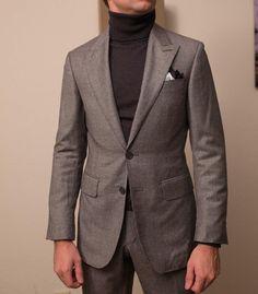 paul-lux:  Single breasted peak lapel suit #wiwt #lookbook #apparel #mnswr #menswear #igfashion #guyswithstyle #mensfashionpost #fashion #mensfashion #gentleman #gentlemen #gentlemanstyle #ootdmen #lookoftheday #ootd #bespoke #picoftheday #amazing #bestoftheday #igdaily #beautiful #style #gent #tomford
