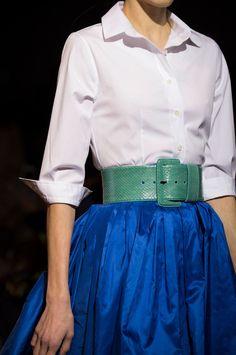 Carolina Herrera at New York Fashion Week Fall 2018 - Details Runway Photos Timeless Fashion, Love Fashion, Fashion Outfits, Fashion Design, Curvy Fashion, Fall Fashion, Fashion Moda, Womens Fashion, Runway Fashion