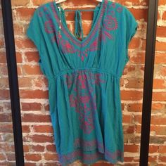 Teal & Pink Sun Dress Wear this dress to the beach, pool, or anywhere else you want to be casual and cool this summer! In great condition! Dresses