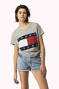 T-shirt À Drapeau, c'est l'indispensable de la saison: acheter la nouvelle collection de t-shirts pour femme. Retours gratuits.