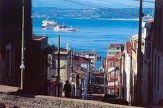Paradiso Indeed: Valparaiso – Chile's emerging hot spot City Folk, Holiday Resort, Travel Memories, Latin America, Istanbul, Beautiful Places, Places To Visit, Coast, Skyline