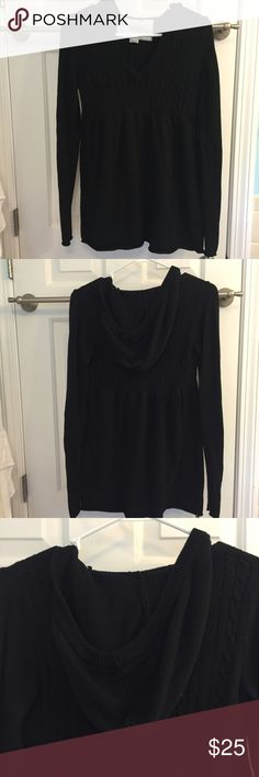 Roxy Black Hooded sweater New Without Tags NEVER WORN roxy black hooded flowy sweater with hood! Very comfortable NOT itchy! Great for this upcoming fal/winter! :) Roxy Sweaters V-Necks