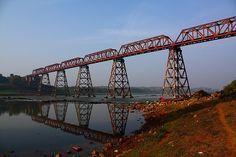 Old Truss rail bridge, over Narmada river [ ? - Shahpura, Jabalpur, India]